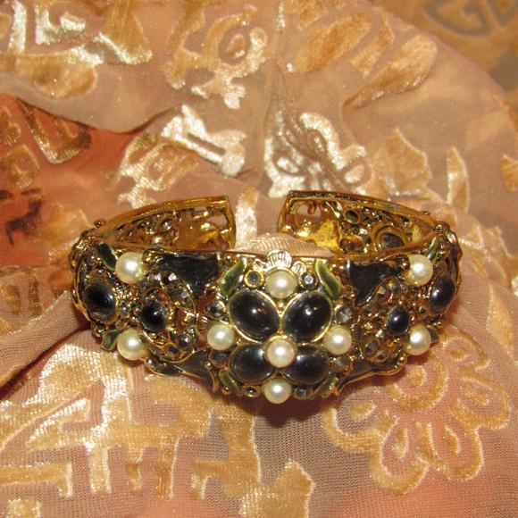 Black Crystal and Pearl  Enamelled Bracelet